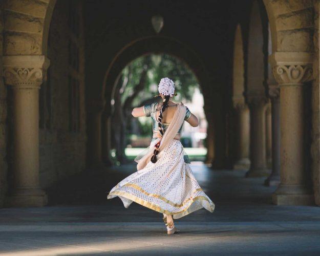 Dance to me